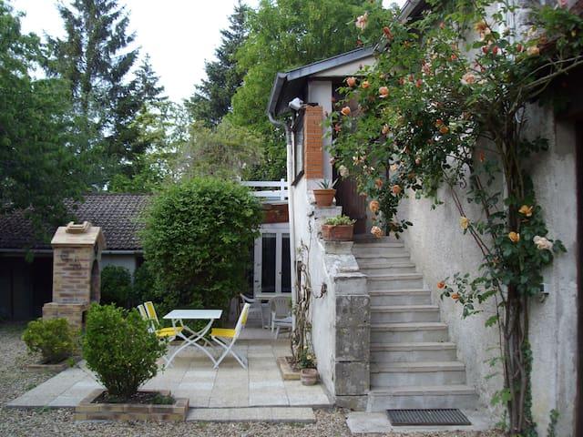 Maison de campagne près de la loire - Sigloy - Huis