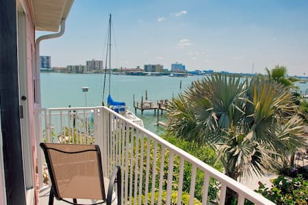 Clearwater Beach Waterfront Studio - Apartment