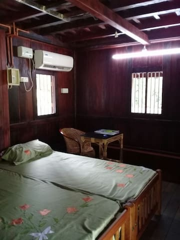 Room in a 150 year old heritage home at Thettakkad