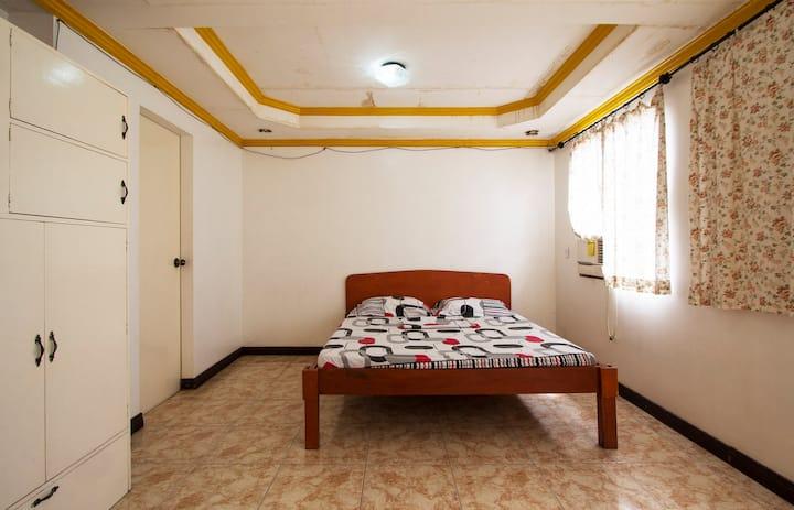 Room for Holiday rental n Tacloban