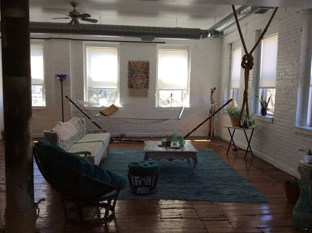 Big and sunny loft style Apartment - Philadelphia - Apartemen