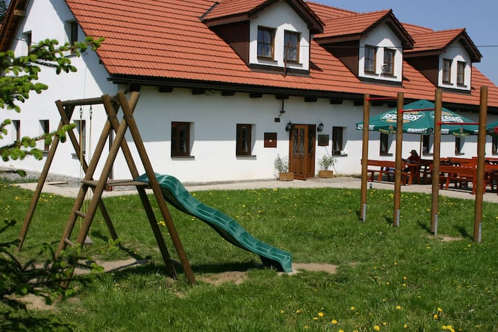 Comfortable accommodation - No. 1 - Fryčovice - Huis