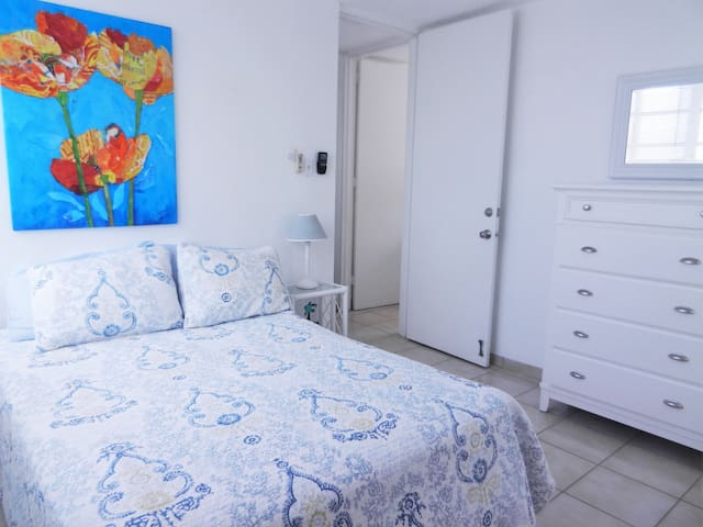 Third Bedroom with Full size bed, Ocean view, AC and ceiling fan