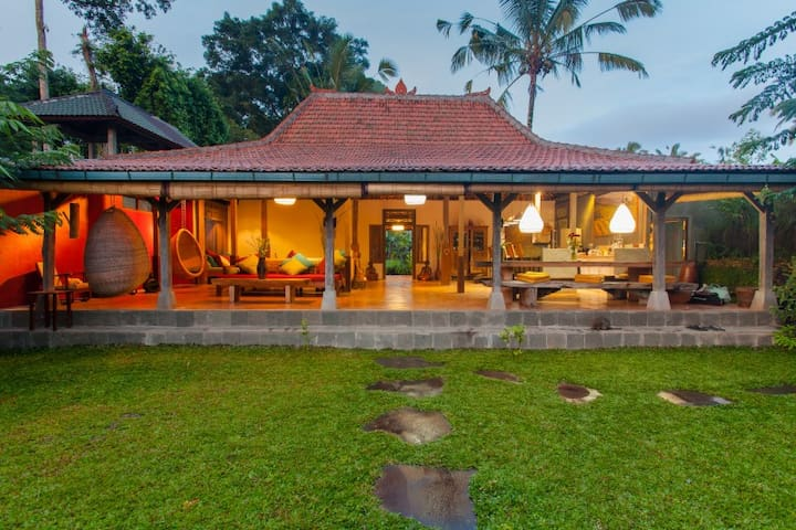 Hati Suci: Ganesha House