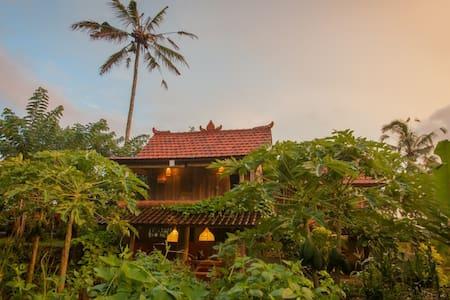 Hati Suci: Brahma House - Ubud