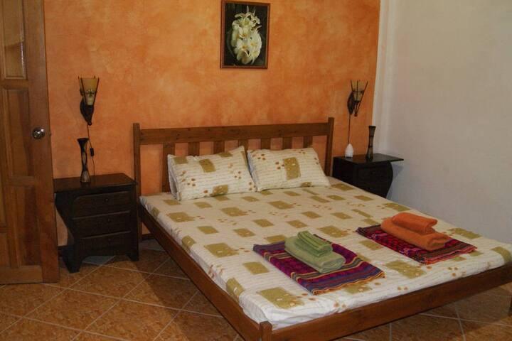 Greengarden Homestay - Bed & Breakfast