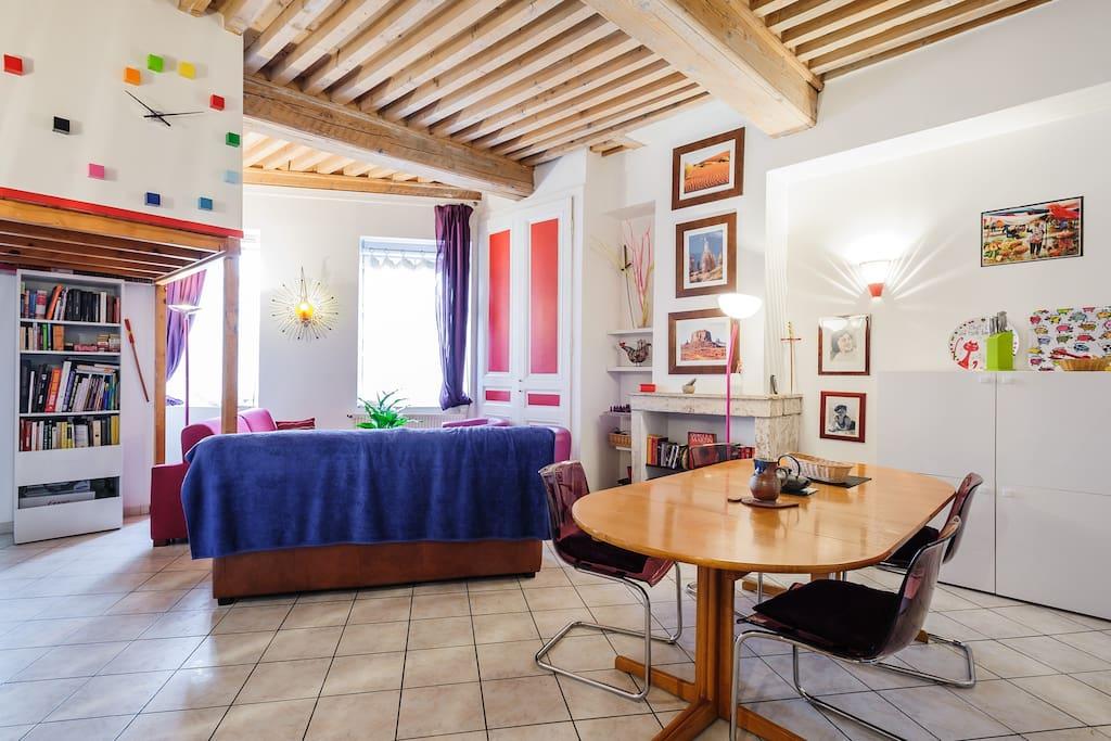 Une chambre 10 mn du lyon historique appartements - La chambre des officiers contexte historique ...