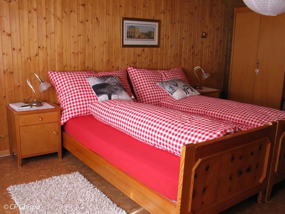 Das Schlafzimmer Pez Titschal bietet Platz für zwei Personen.