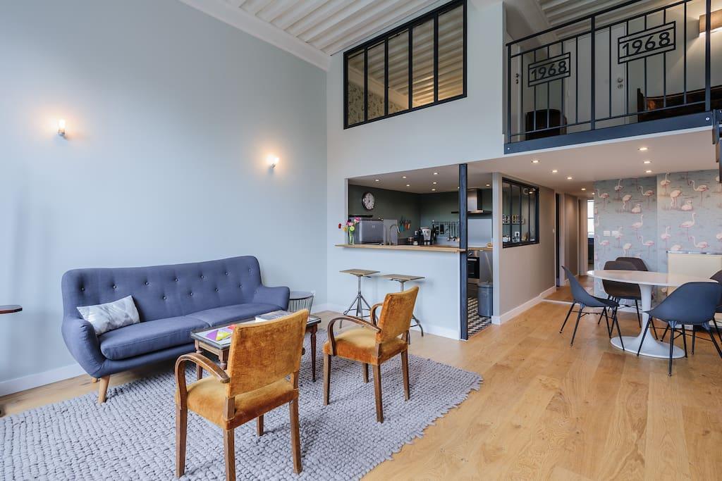 appartement pour 6 croix rousse lofts louer lyon rh ne alpes france. Black Bedroom Furniture Sets. Home Design Ideas