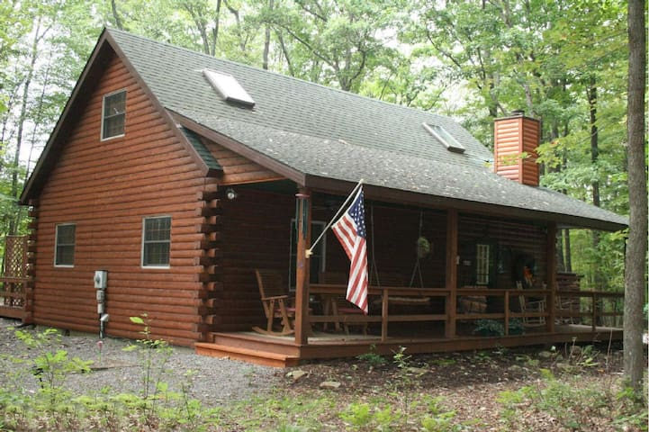 COZY 3 BEDROOM LOG CABIN - Swanton