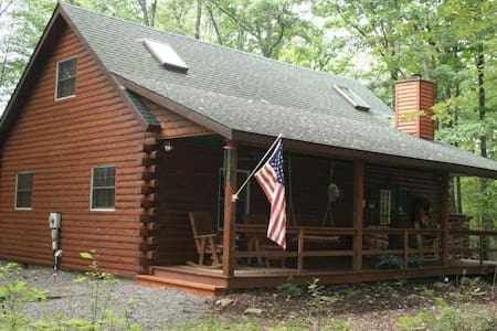 COZY 3 BEDROOM LOG CABIN - Swanton - Ev