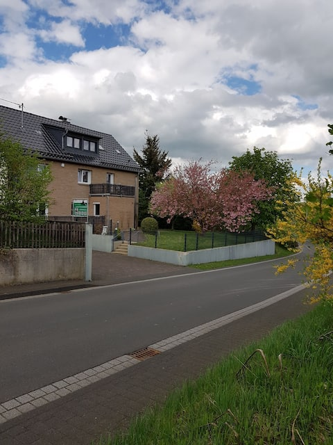 B & B Nähe Nürburgring + free Wifi