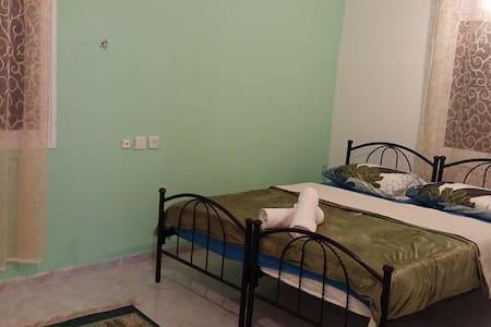 Private Room in family-run Inn - Kafr Kanna
