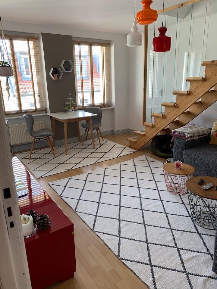 ruhige Maisonettewohnung (DG) + Putzservice und TG