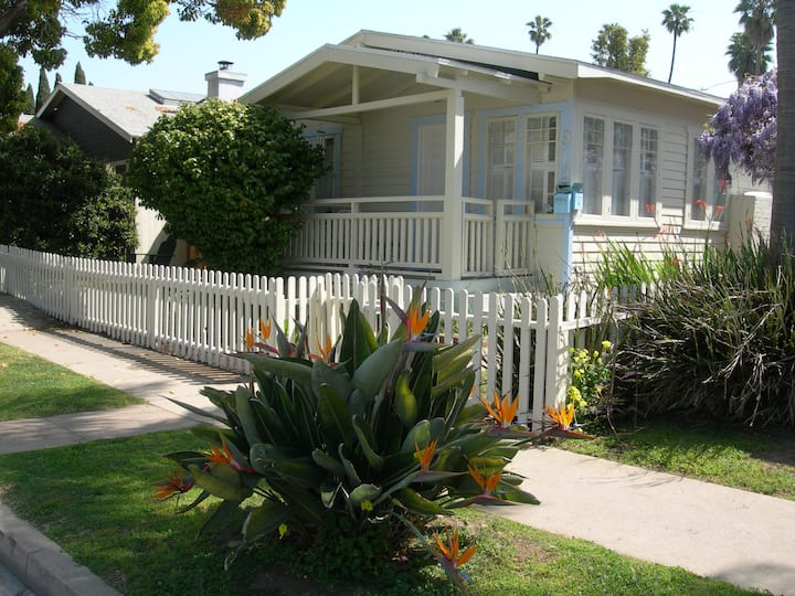 THE HOWLAND HOUSE: Your own house in Venice Beach!