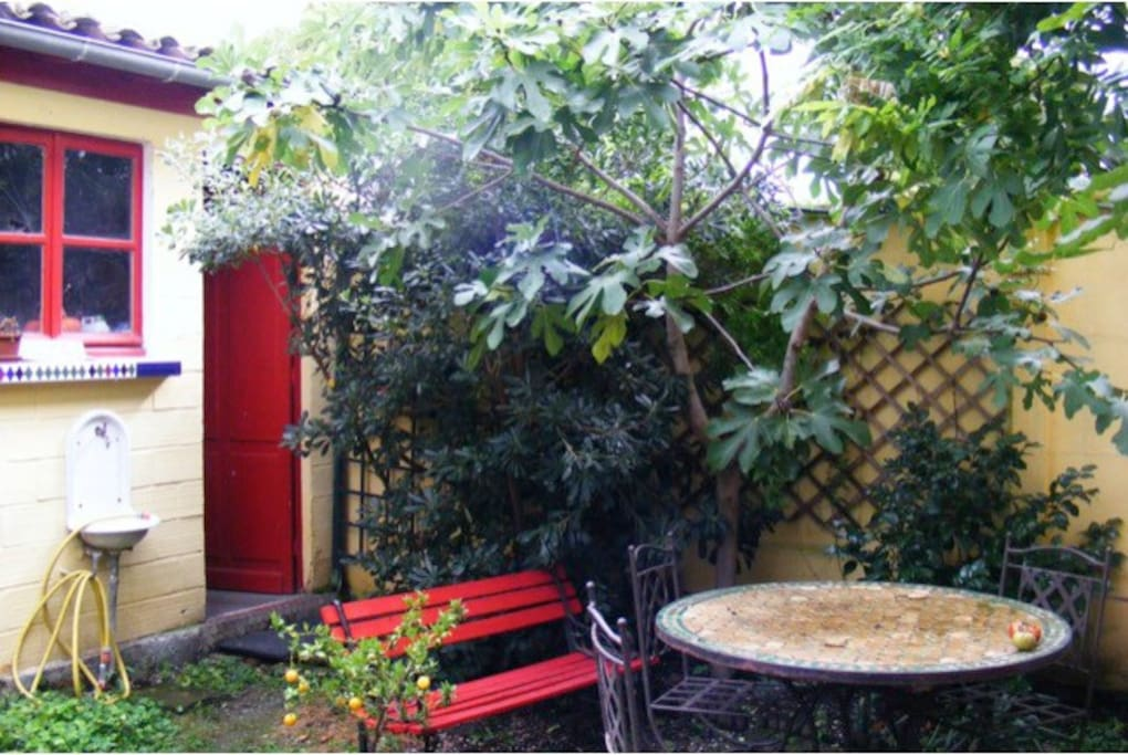 Maison enti re jardin proche tram houses for rent in bordeaux aquitaine france - Table jardin bricorama bordeaux ...