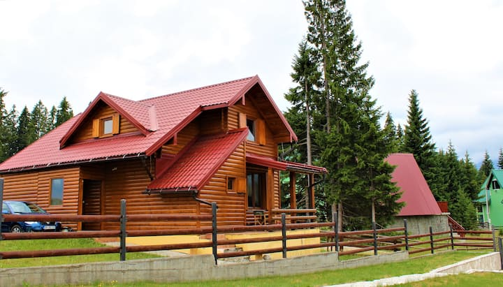 3bd Wooden Family Lodge Zara in Nature