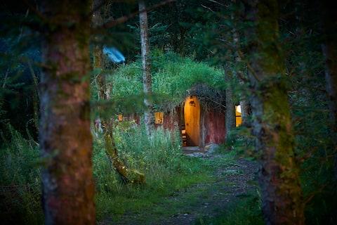 Beautiful Woodland Roundhouse/Fairy/Hobbit house