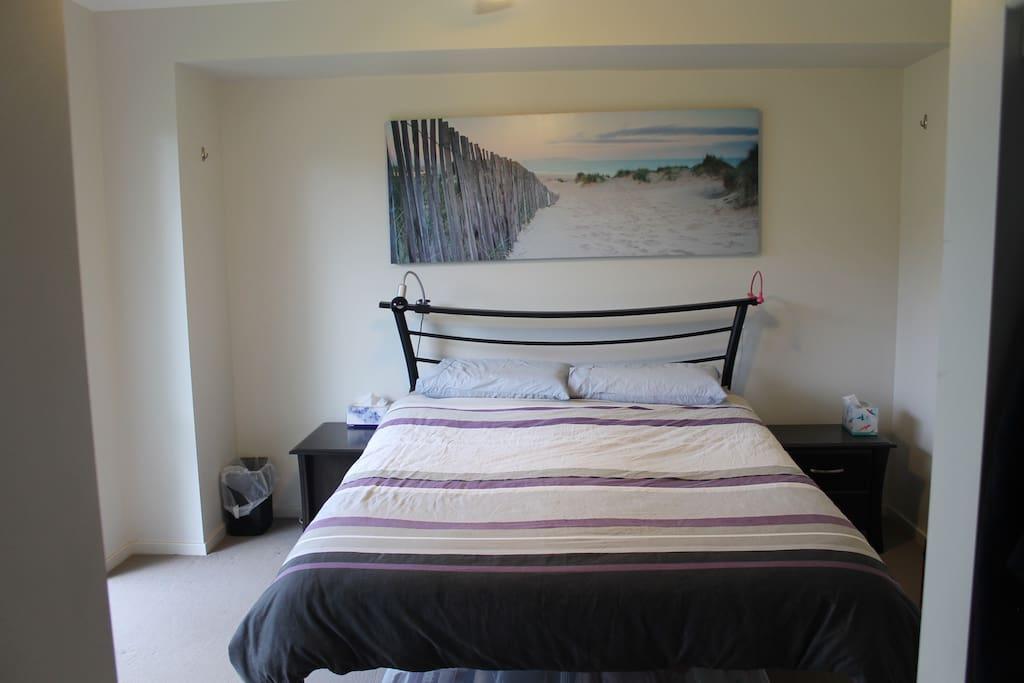 Main bedroom (w ensuite)