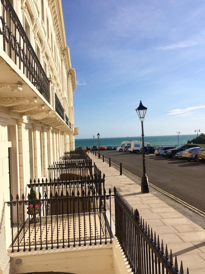 Private room in Hove with Summer House