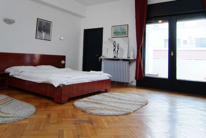 Charming room in Bucharest's center - Bükreş - Daire