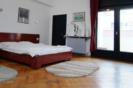 Charming room in Bucharest's center - Bucharest