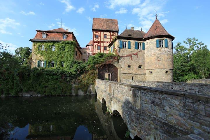 Wohnen im Schloss in luftiger Höhe
