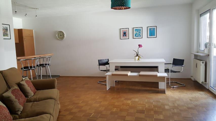 Zentrale, sonnige und geräumige 2-Zimmerwohnung