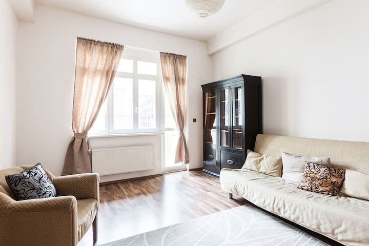 3 bedroom apt. in quiet street - Praha - Apartemen