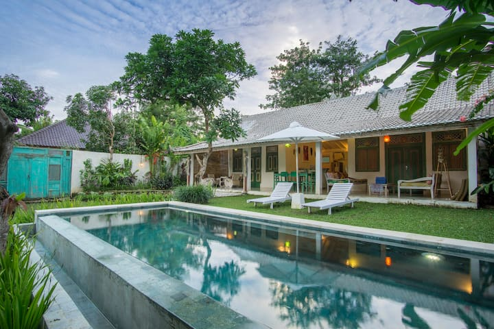 Lovely Family Villa above Bingin Beach Access - Kuta Selatan - Villa