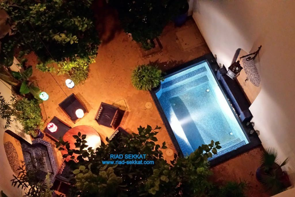 Le patio vu de la terrasse