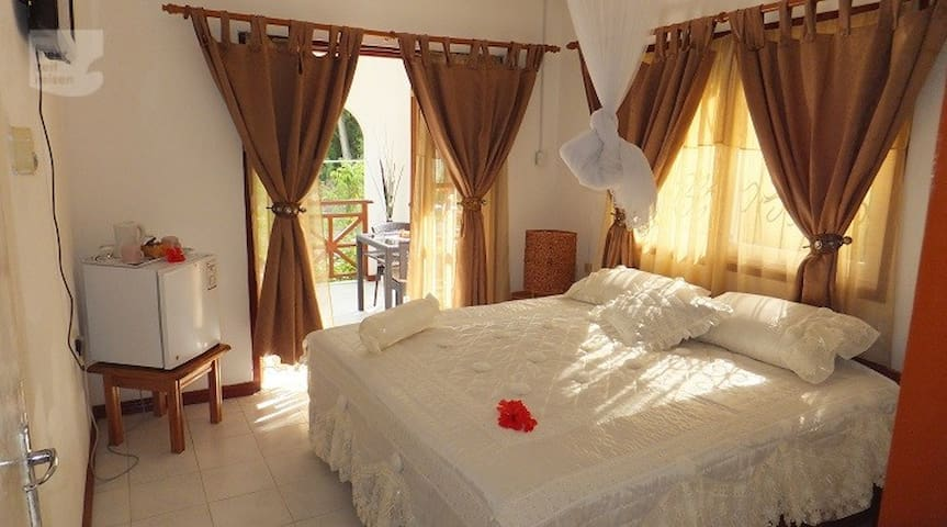 Benjamine guesthouse - La Digue - Bed & Breakfast