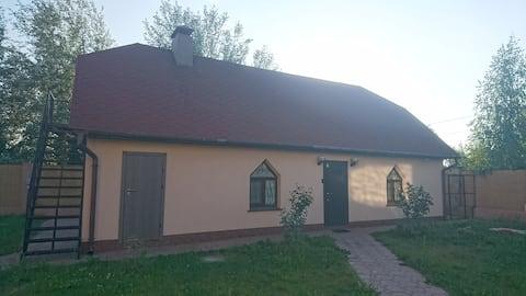 Дом за городом, экологически чистый район, г.Киев