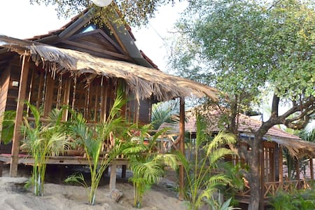Tropical Wooden Cottage - Baga - Pondok
