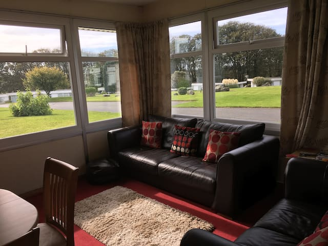 Pinetree. Cosy chalet situated near Newgale