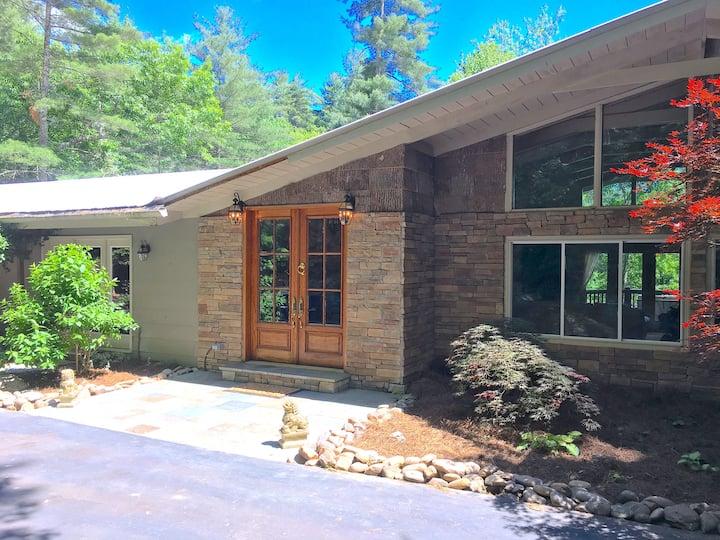 Carolina Mountain Elegance - Entire House