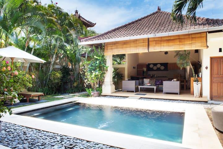 Villa tropicale de deux chambres à Oberoi