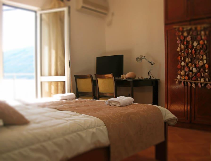 Room Apratman 1