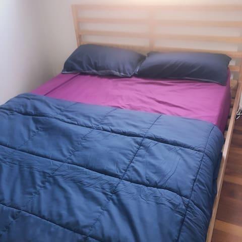 Private Queen bedroom, Laverton