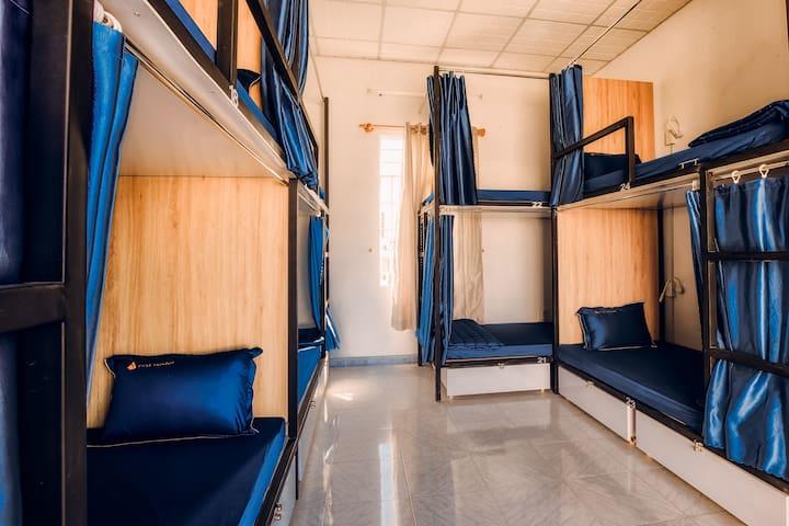 Nha Trang 3 mins to beach cozy mixed dorm