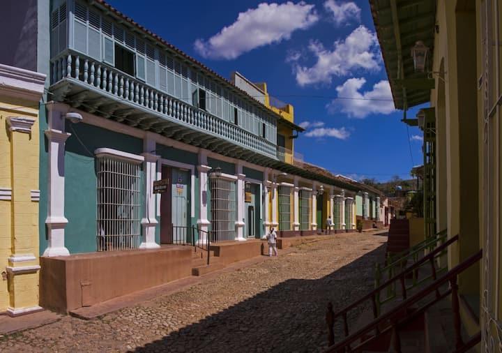 Hostal La Rosa + WIFI, en Trinidad, Cuba (R2)