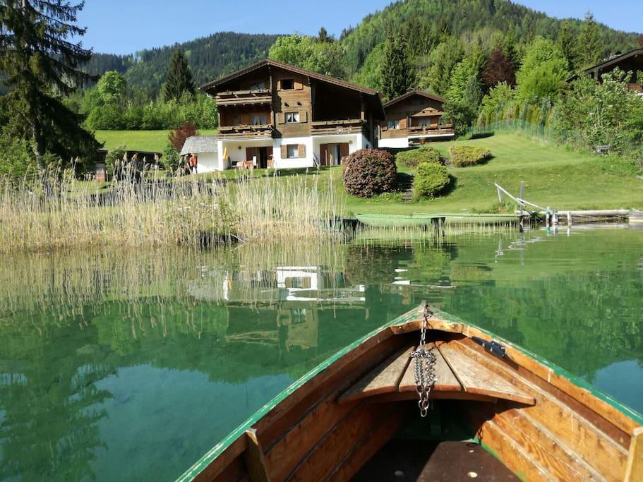Romantische Bootsfahrt  Chalets Zöhrer - Wohnen am Wasser, Ferienwohnungen direkt am See (Weissensee, Kärnten,  Österreich), apartments, directly at the lake