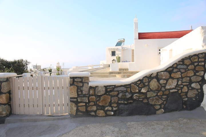 Cycladic Cozy Property+Beach+Downtown for 2 guests