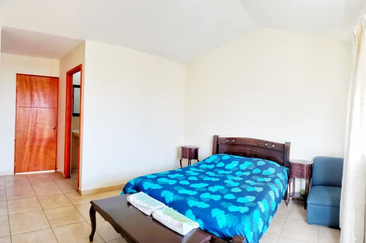 Habitación privada con balcon
