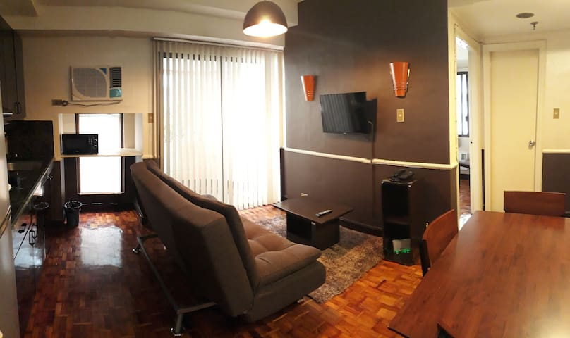 New 1BR, New Aircon and WIFI, 40sqm (1001)