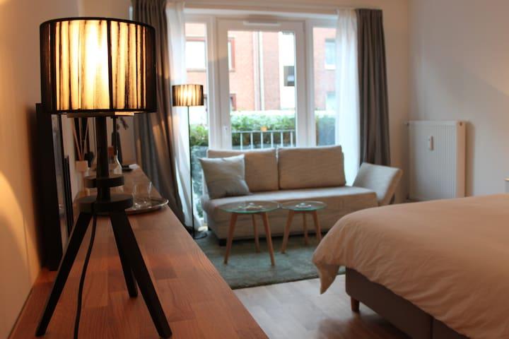 Central designer apartment st pauli appartementen te for Design appartement hamburg