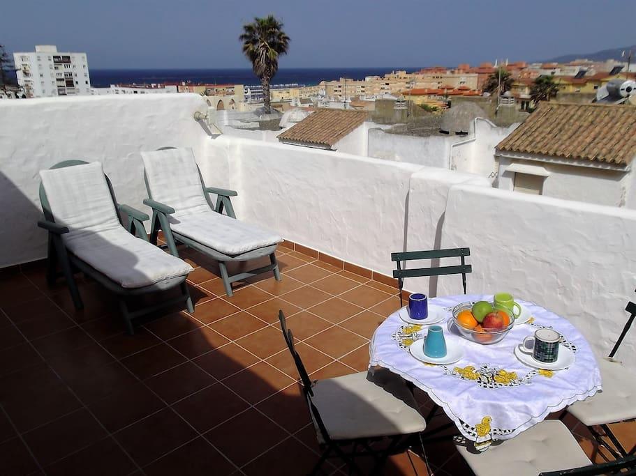 fantastic house with pool and sea views maisons louer tarifa andalousie espagne. Black Bedroom Furniture Sets. Home Design Ideas