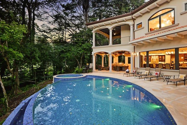 Casa Vista Paraiso