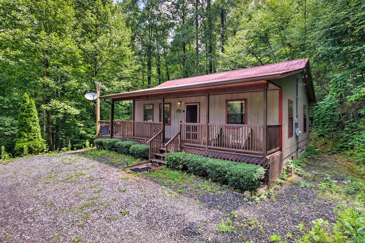 This 2-bedroom, 1-bath vacation rental offers space for up to 4 guests.