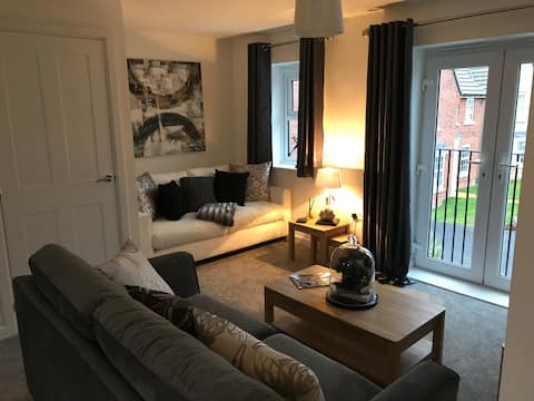 'Vulcan Lodge' Coach House Style Luxury Apartment